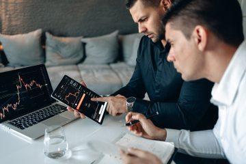 4 motive sa alegi solutiile digitalizate Cosmo Consult